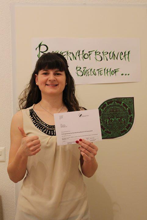 Prüfung bestanden: Gratulation an Jung-Bäuerin Corina